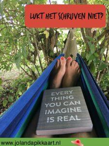 Lukt het schrijven niet? Stap eens in een hangmat!